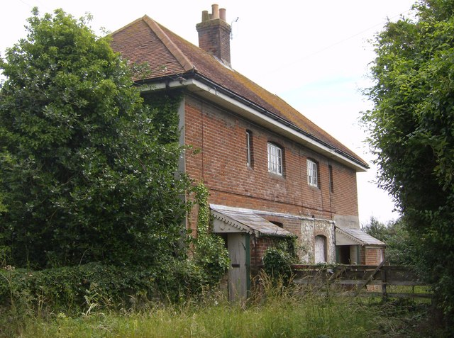 Derelict cottages at Bowcombe