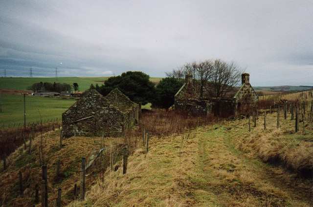 View eastwards over ruin of old SYHA youth hostel at Auchenblae