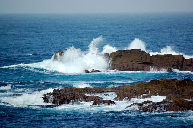 Crashing waves over Cowloe Rocks