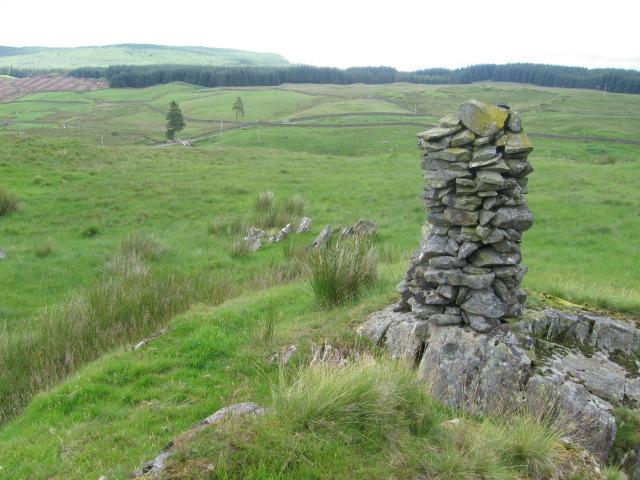 Cairn near Kinnelhead