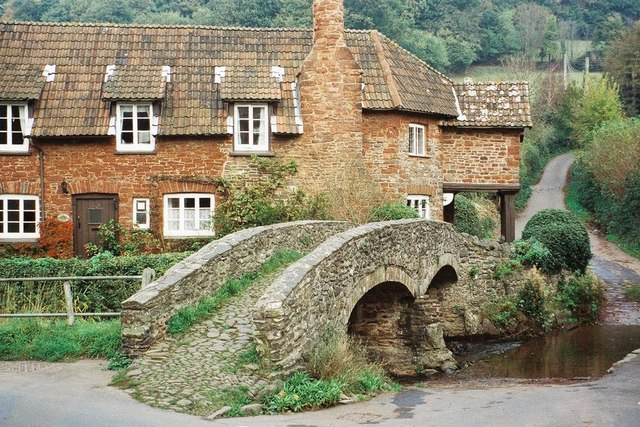 Allerford: the pack-horse bridge