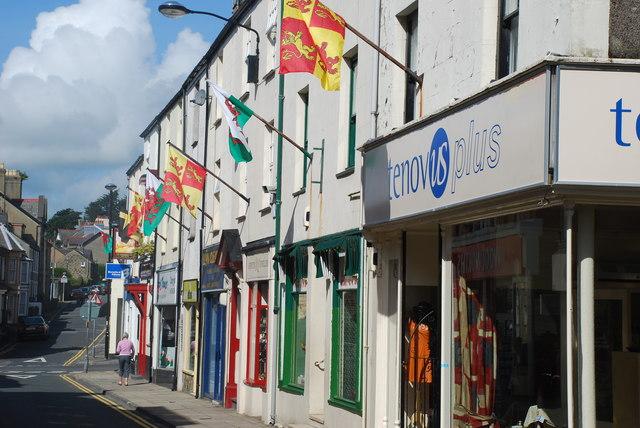Pwllheli'n dathlu ei Chymreictod - Pwllheli celebrates its Welshness