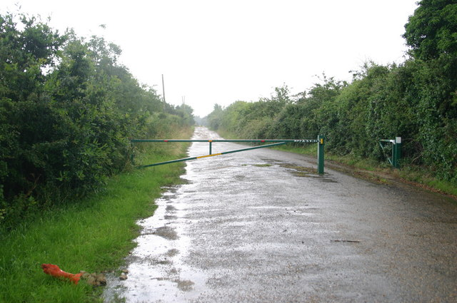 Footpath off the A1123 by Low Wood farm