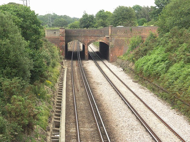 Railway Line near Roeshot Hill