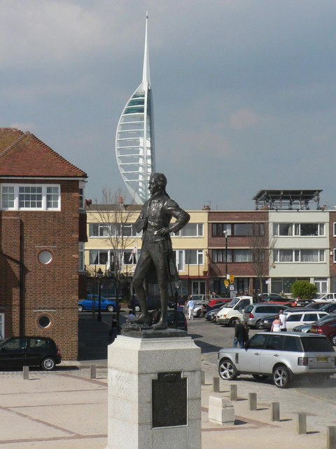 Portsmouth: Lord Nelson statue