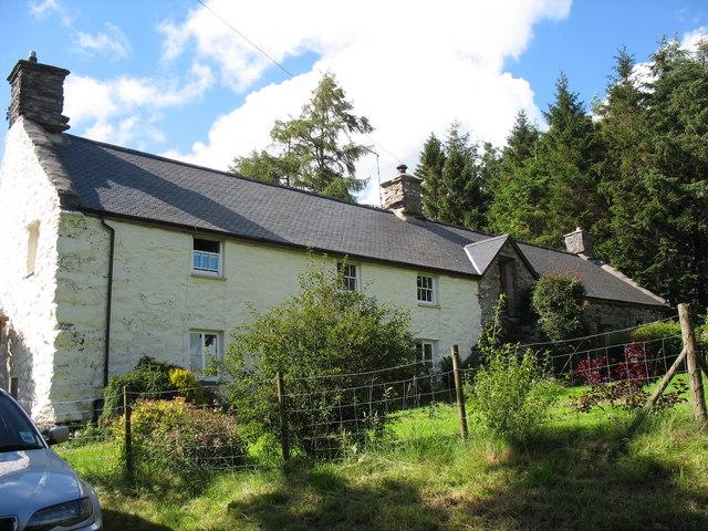 Cors y Garnedd house