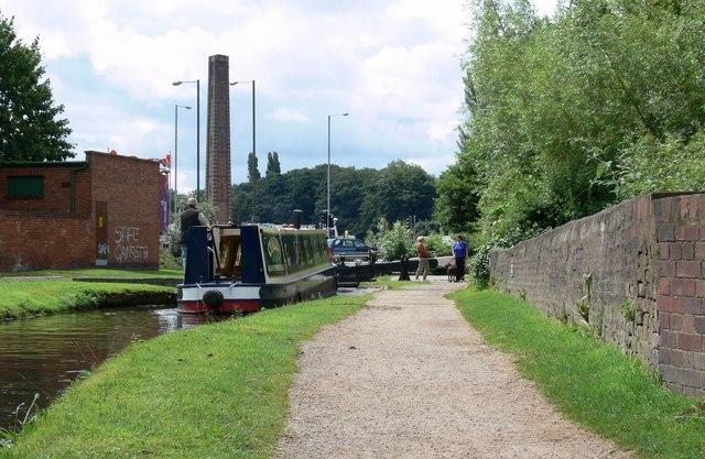 Approaching Kidderminster Lock