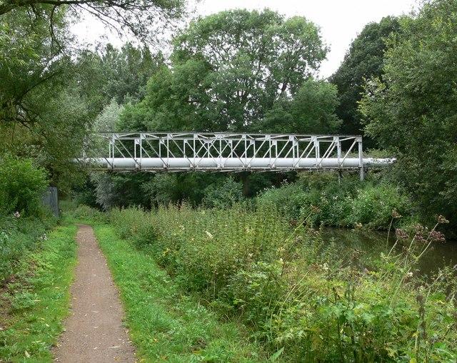 Pipe bridge