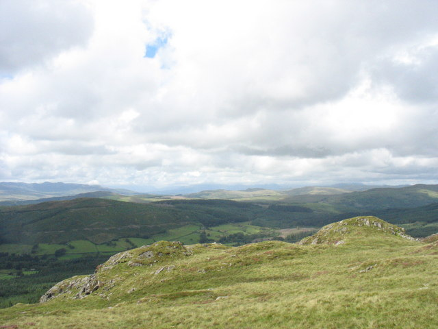 Rock outcrops on the western slopes of Rhobell Fawr