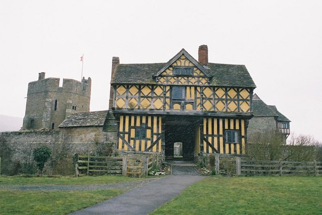 Stokesay Castle, and a bit of snow