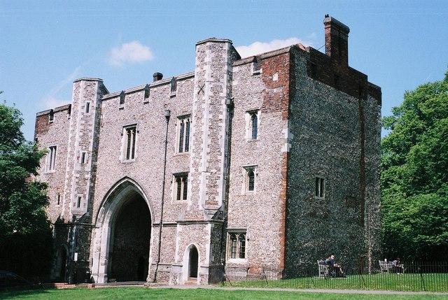St. Albans: gatehouse