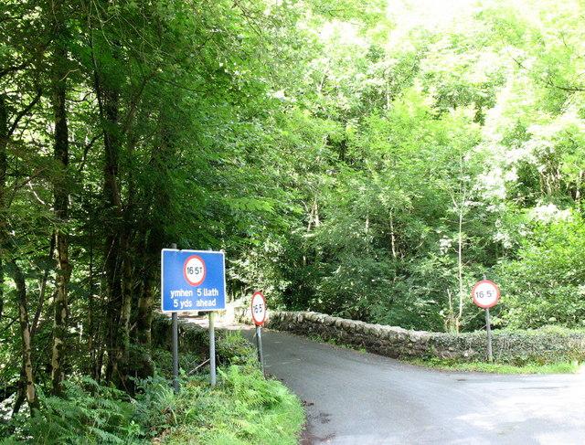 The weight restricted Pont ar Eden bridge