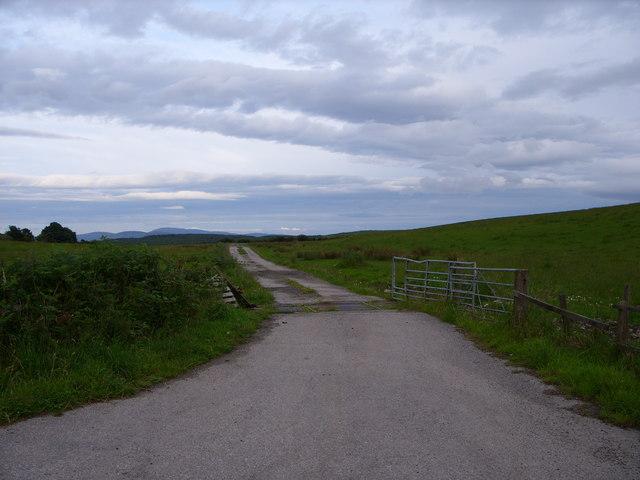 Bartrostan Farm road