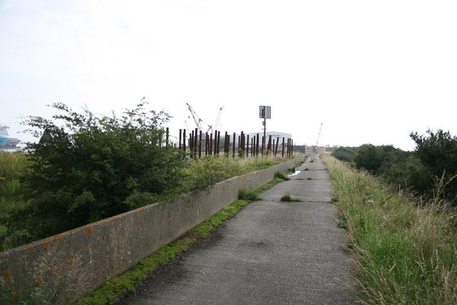 Killingholme Haven footpath