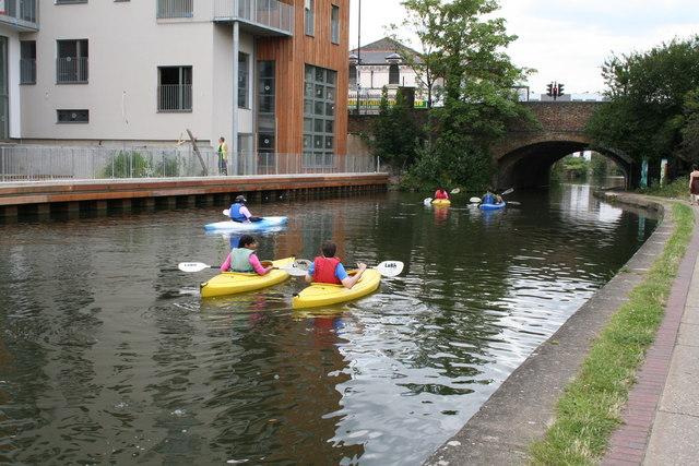 Canoeists near Kingsland Bridge, Regents Canal