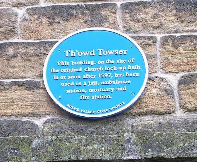 Th'owd Towser - Blue plaque -   behind Holy Trinity Church