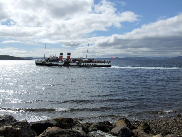 The Paddle Steamer Waverley, Largs 4