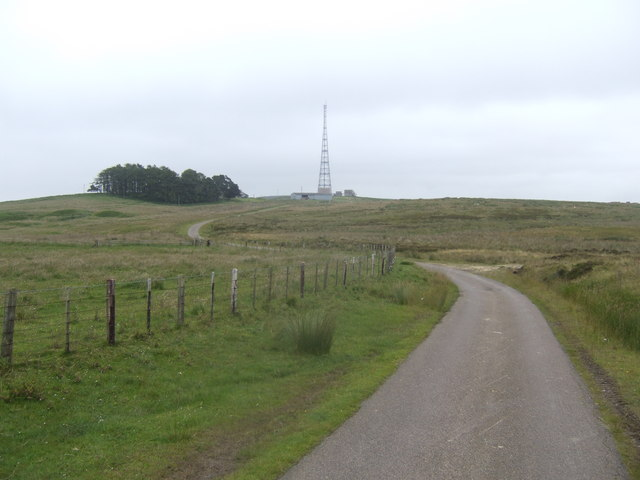 View east towards the radio mast by Quarry House