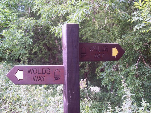 Sign for the Wolds Way