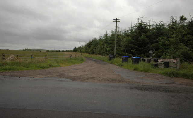 Road junction to the farm at Crossley