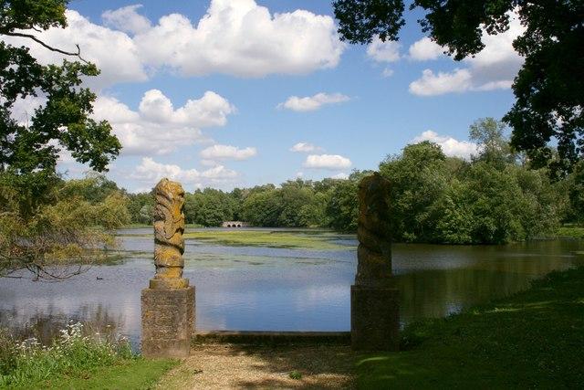 Columns and Lake, Buscot Park