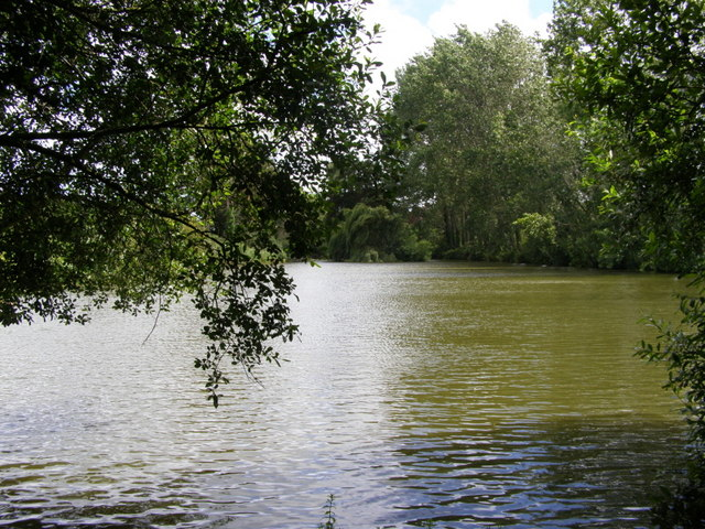 Hale Common fishing lake