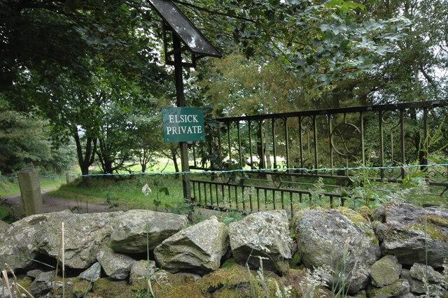 Entrance road to Elsick House