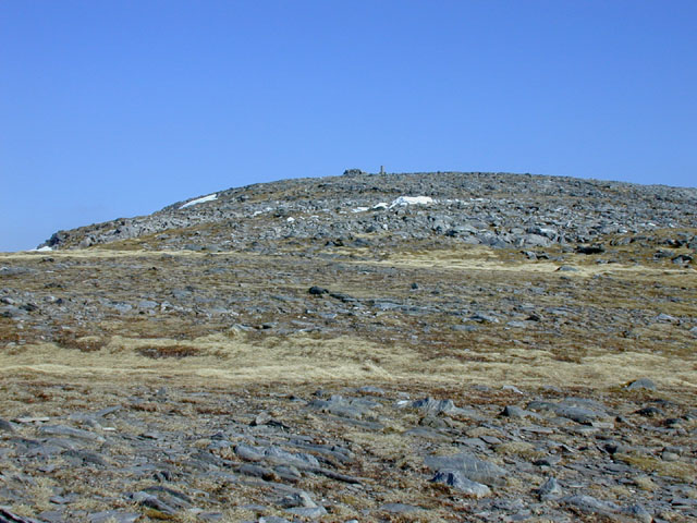 Approaching Beinn Fhada's cairn