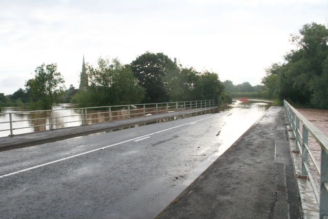 July 2007 Floods - A4104 Upton-upon-Severn