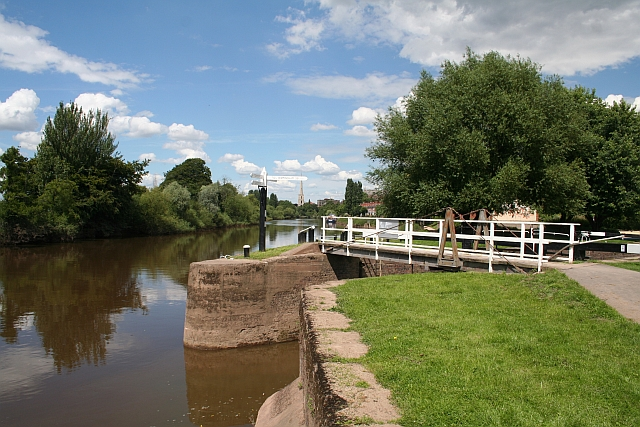 Start of the Worcester & Birmingham Canal