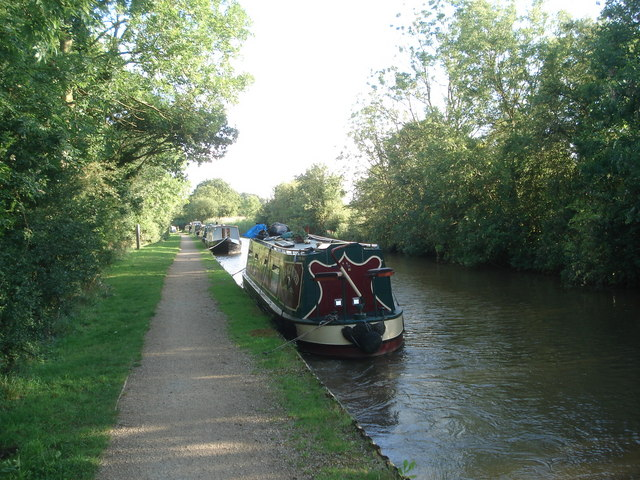 Residential moorings at Dunhampstead