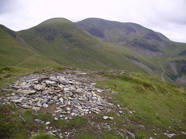 Summit Cairn, Outerside