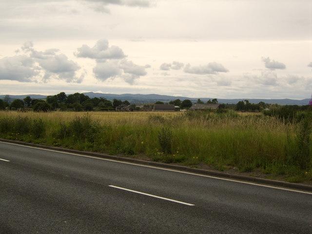 Looking to West Walkinshaw Farm