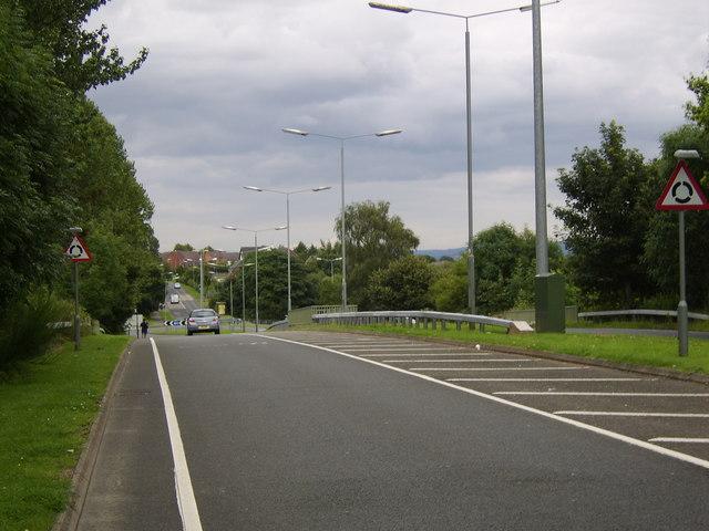 Looking along Parkway, Erskine