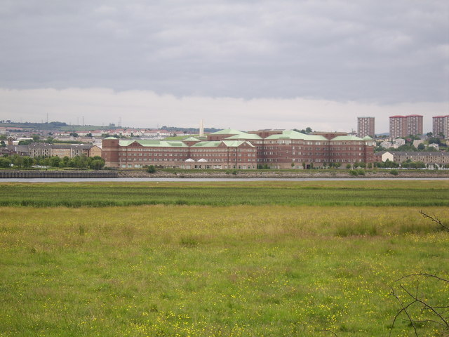 Looking Northeast to River Clyde from Newshot Drive