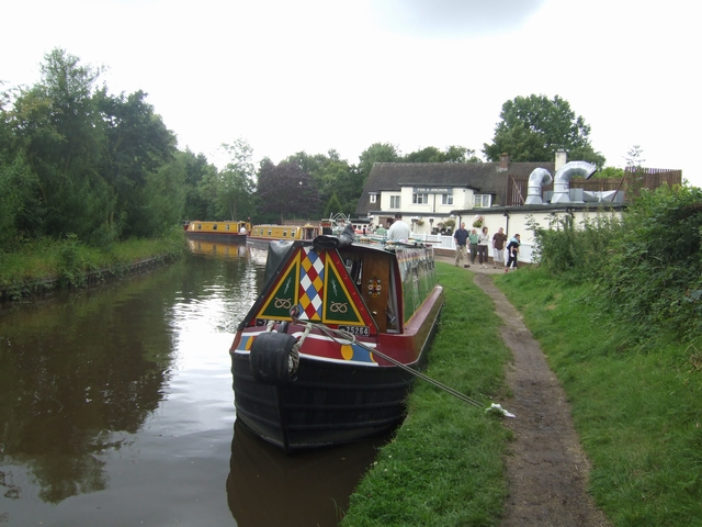 Staffs & Worcs Canal, Cross Green