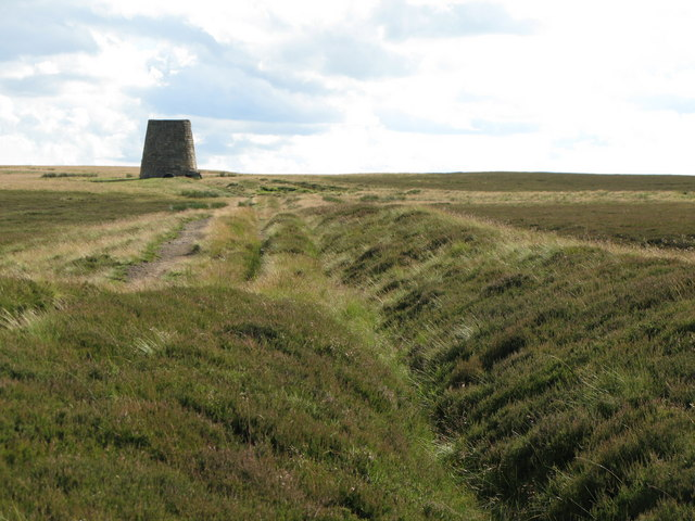 The eastern Allendale lead smelting flue and the southern chimney