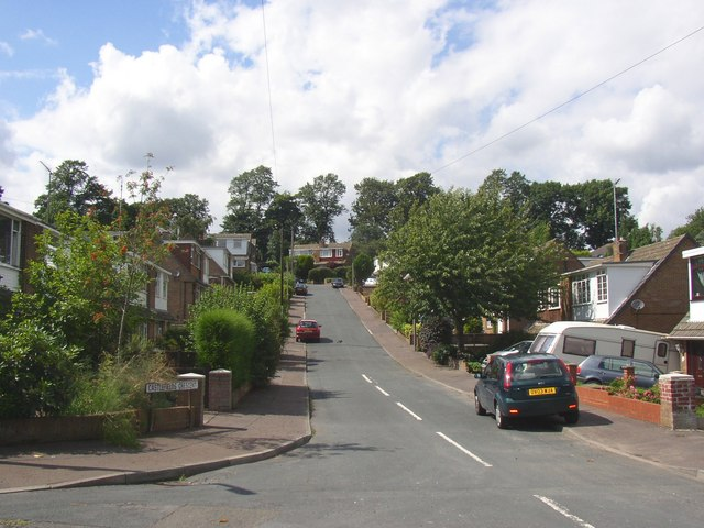 Castlefields Crescent, Rastrick