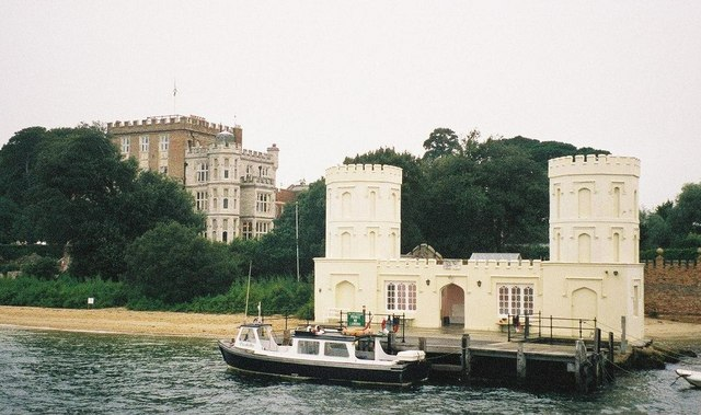 Brownsea: Family Pier and Branksea Castle