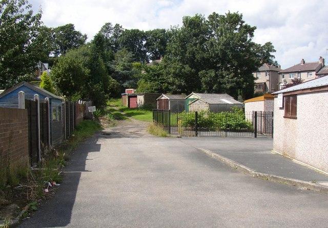 Garages off Castlefields Drive, Rastrick