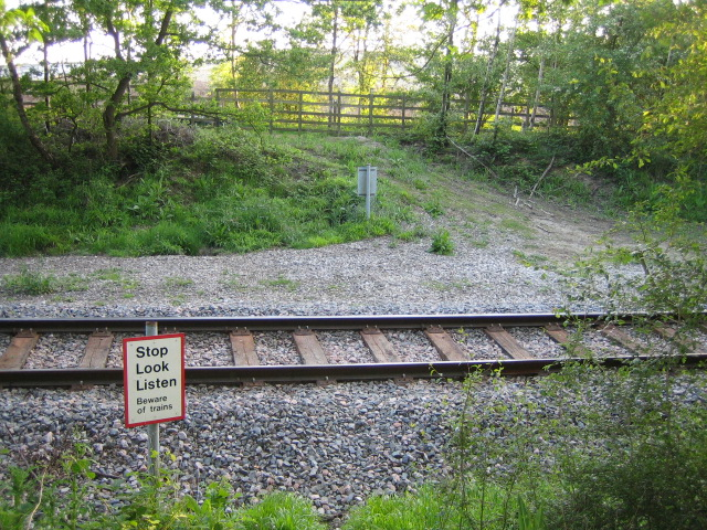 Railway crossing near Calvert