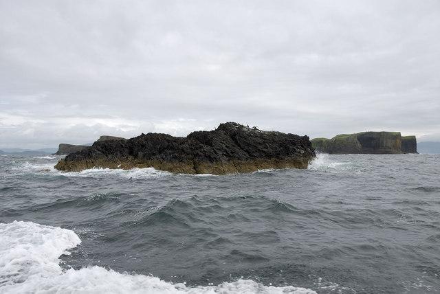 Rock outcrop west of Staffa