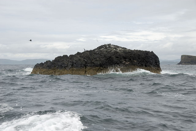 Rock outcrop west of Staffa