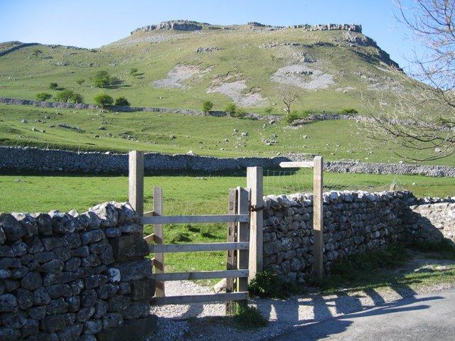 Gate and Footpath to the Fells near Gordale Bridge