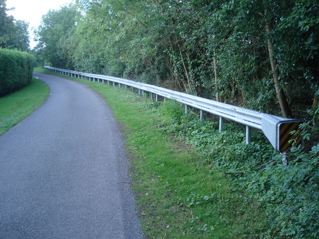 New crash barrier at Dunhampstead