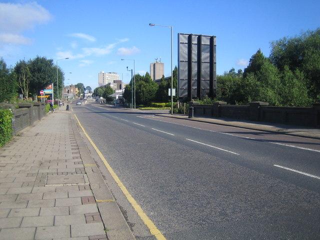 West Hendon: A5 at Silk Bridge