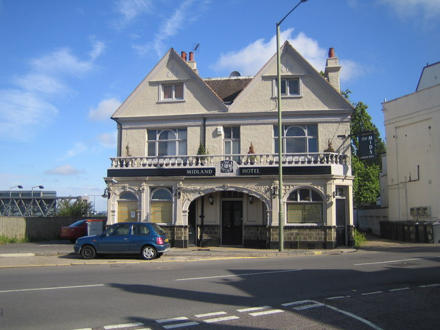 Hendon: Midland Hotel