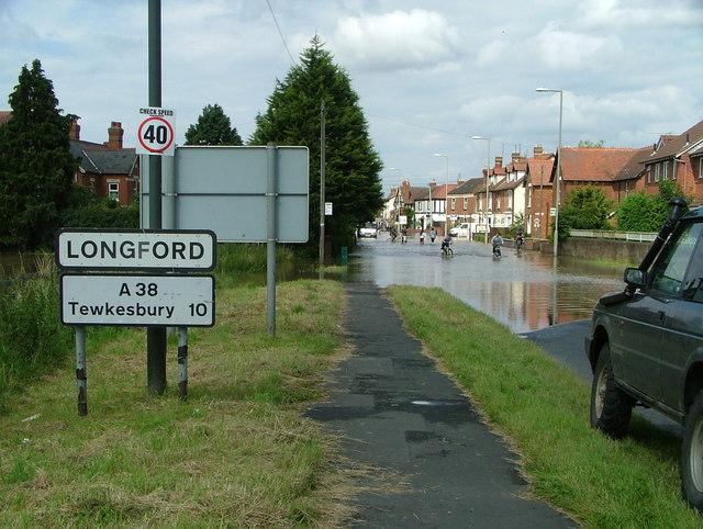 Longford village flooding on Tewkesbury Road (A38)