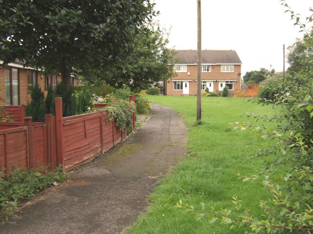 Park Lea - pathway towards Woodlands Close