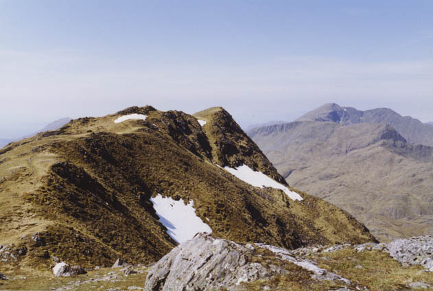 The summit ridge of Luinne Bheinn